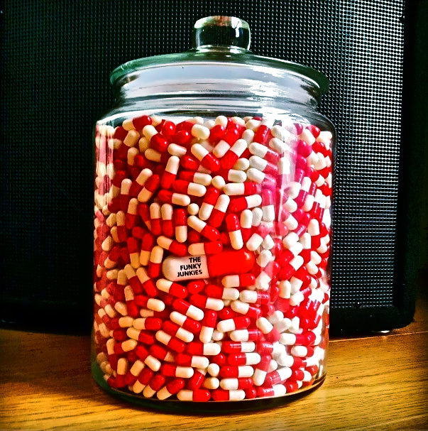 Guess how many pill are in that jar!